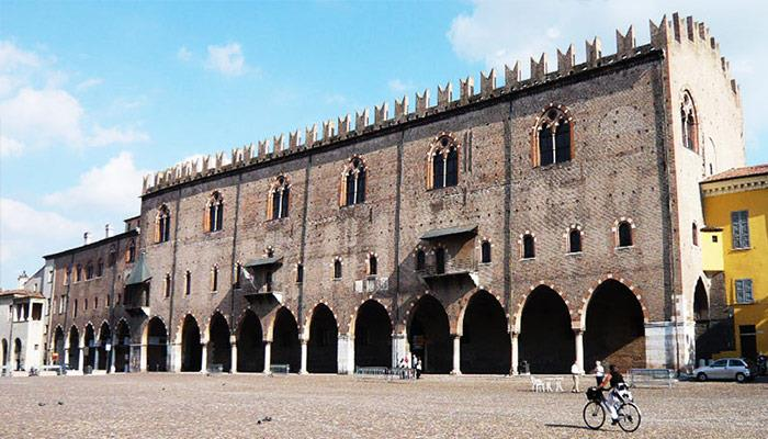 <strong>Palazzo Ducale Mantova</strong><br /><br />Lunch - Domenica 16 settembre